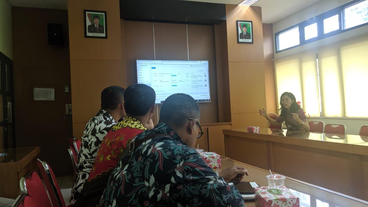 Kelurahan Ikuti Pelatihan Pengelolaan Informasi Publik Berbasis Web