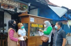 Lurah Kadipaten Lakukan Sosialisasi Tidak Makan di Tempat