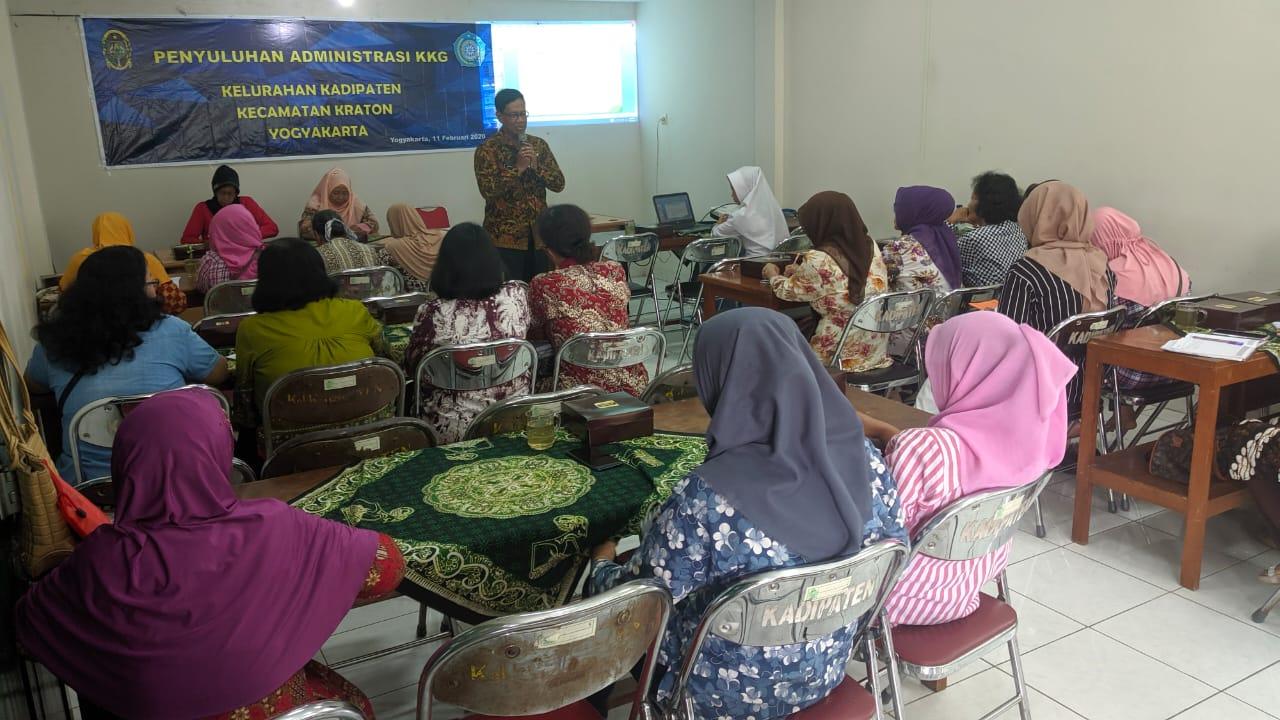 Narasumber dari Kecamatan Kraton - Camat Kraton Drs. S. Widodo Mujiyatna