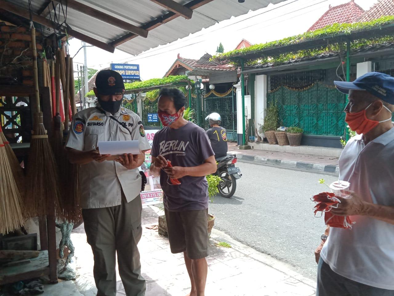Penegakan Protokol Kesehatan Jl. Kadipaten & Jl. Polowijan - 4